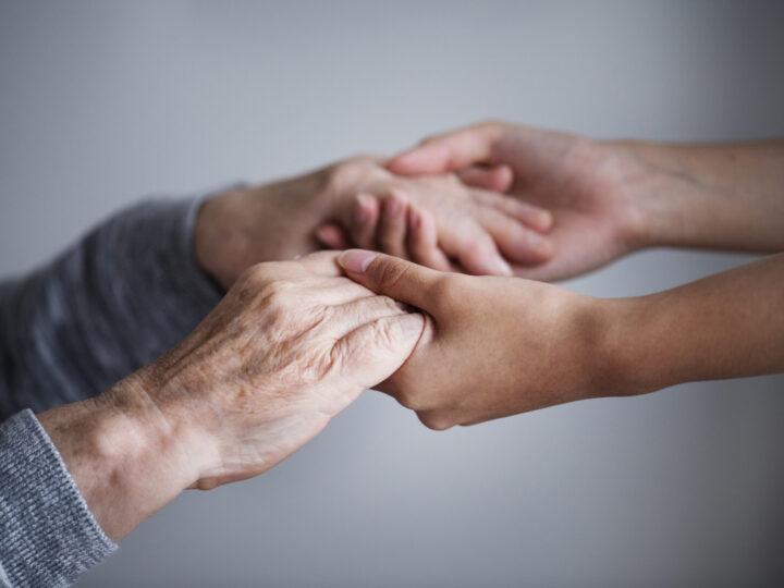 Quais são os primeiros sintomas do Alzheimer?