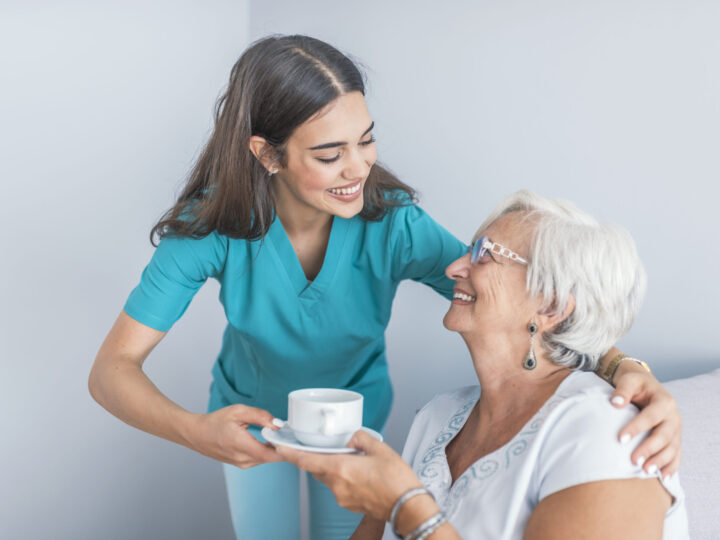 Qual é a estrutura necessária para cuidar de pacientes com Alzheimer?
